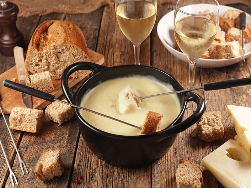 Cheese Fondue Wine Bread
