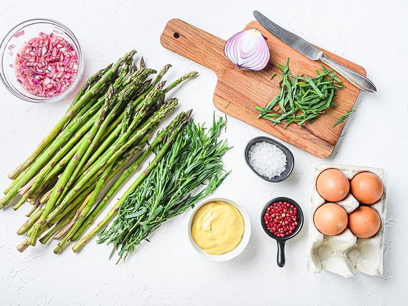 Raw Asparagus Eggs
