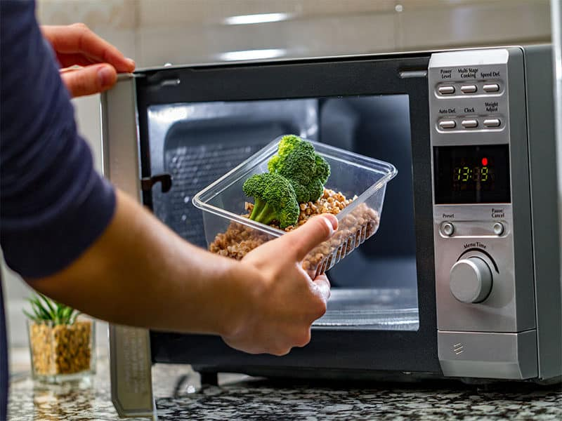 Using Microwave Oven Food
