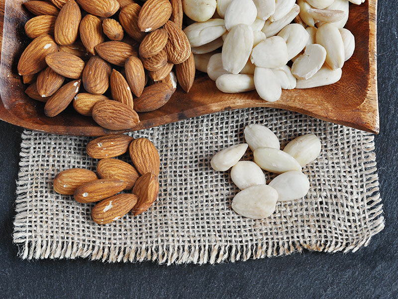 Blanched Almond Peeled Almonds
