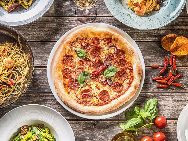 Pan Pizza Pasta Risotto