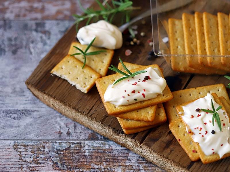 Crackers Cream Cheese