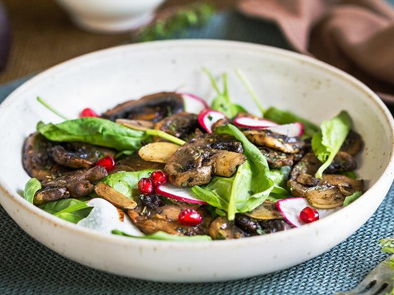 Spinach Mushroom And Salad