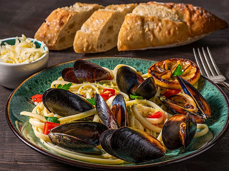 What To Serve With Fettuccine Alfredo?