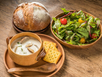 What To Serve With Clam Chowder