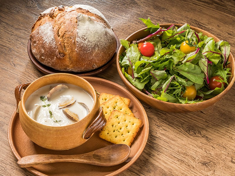 What To Serve With Clam Chowder?