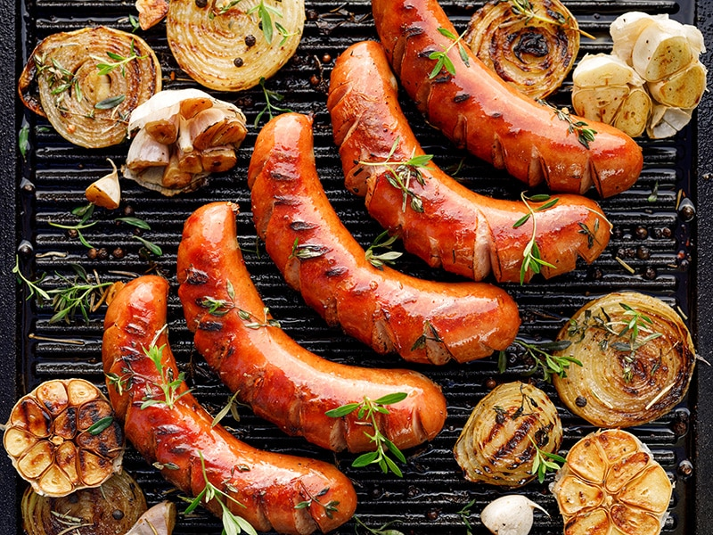 Combining side dishes with sausages