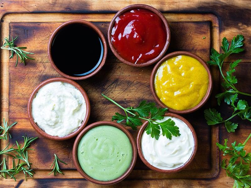 Top 23 Amazing Sriracha Substitutes