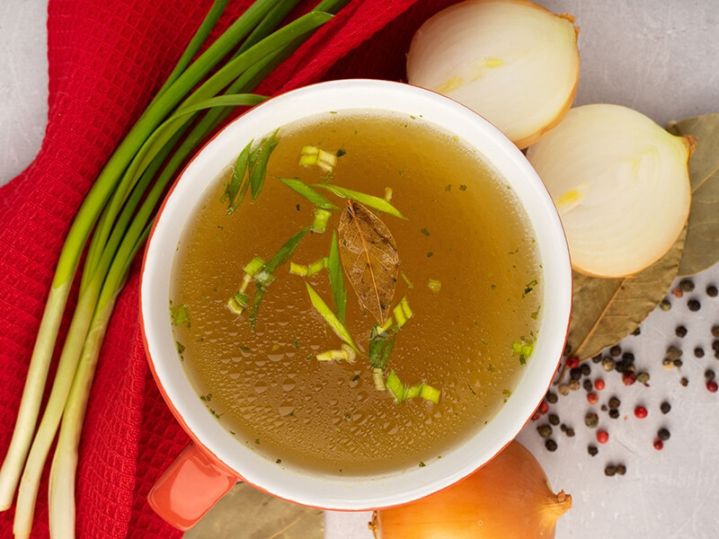 19 Excellent Beef Broth Substitutes