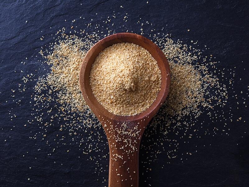 Spoon Garlic Powder